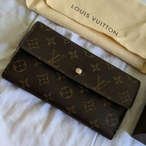 Louis Vuitton canvas wallet